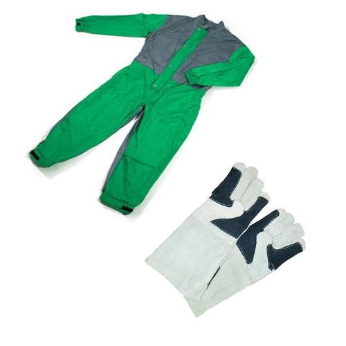 traje de chorro y guantes